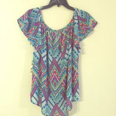 Aztec Print Top Super soft & Sheer Aztec top. Pair with slacks or denim jeans to complete this look . Eyeshadow Tops Blouses