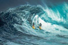Si te tropiezas ofrezco mi mano. Cuando caminas te acompaño. Si te superas... te admiro | Fot.: sensorpixel #surf #agua #water #ola #wave #hawaii #pacifico #pacific #maui