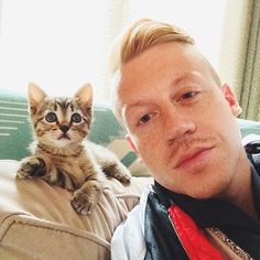 Macklemore | 28 Ridiculously Hot Celebrities With Incredibly Cute Cats