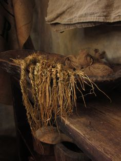 I guess I can put this here....I never thought of doing this but I LOVE it - DRIED chives!!!  ---Chive braids in trencher~