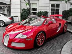 Bugatti Veyron in ravishing red
