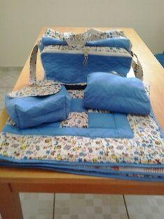 Bolsa para maternidade,trocador,porta fraldas e manta para berço.