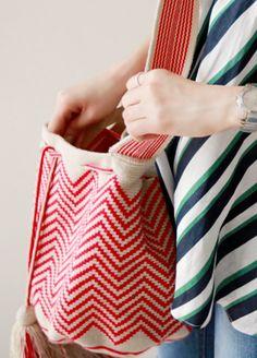 모칠라 백 도안 ㅡ 5 : 네이버 블로그 Tapestry Bag, Tapestry Crochet, Japanese Bag, Fabric Bags, Purses And Bags, Hand Weaving, Tote Bag, Knitting, Pattern