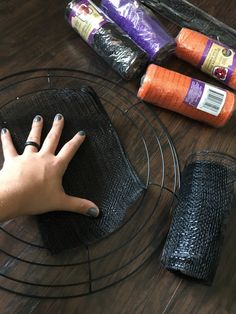 DIY Mesh Dollar Tree Halloween Wreath – Halloween Head - B-after Halloween Door Wreaths, Halloween Deco Mesh, Halloween Ornaments, Diy Halloween Decorations, Halloween Crafts, Halloween Makeup, Dollar Tree Halloween Decor, Halloween Stuff, Halloween Music