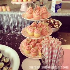 Pink lemonade cupcakes with lemon slices! And I LOVE the straws! Little lemon cakes with raspberry buttercream frosting, filled with lemon curd :) Pink Lemonade Cupcakes, Raspberry Buttercream Frosting, Lemon Slice, Lemon Curd, Lemon Cakes, Tea Party, Favorite Recipes, Sweets, Baking