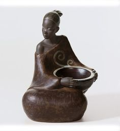 WOMAN WITH BASKET PULSE OF AFRICA (Issue Year: 2006, Sculptor: José Santaeulalia)