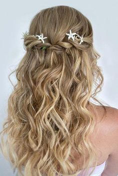 Are you looking for straight hairstyles curly hairstyles wavy hairstyles layers hairstyles for New Years? See our collection full of straight hairstyles curly hairstyles wavy hairstyles layers hairstyles for New Years and get inspired! Straight Prom Hair, Long Wavy Hair, Long Curly, Braided Hairstyles, Wedding Hairstyles, Curly Bridesmaid Hairstyles, Chic Hairstyles, Formal Hairstyles, Layered Hairstyles