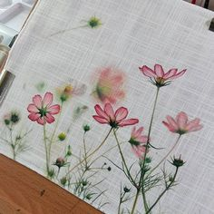 Fabric Colour Painting, Iris Painting, Watercolour Painting, Watercolors, Painted Canvas Bags, Chinese Painting Flowers, Hand Painted Fabric, Acrylic Painting Techniques, Art Tips