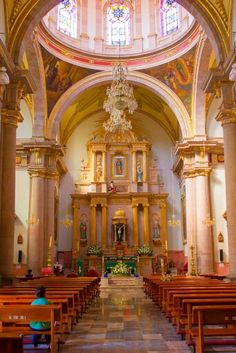 Interior del Santuario de Guadalupe Sahuayo Michoacán 2015