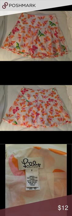 Lilly Pulitzer Butterfly Pleated Skirt Size 2 🦋 Lilly Pulitzer Butterfly Pleated Skirt Size 2. Excellent condition with exception to small stain on pleat of skirt (see pictures). Lilly Pulitzer Skirts
