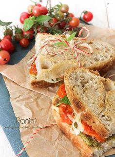 Panini Picnic Dinner, Summer Picnic, Picnic Plates, Bon Ap, Pesto, Queso Mozzarella, Wrap Sandwiches, I Love Food, Lunch