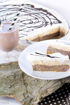 Kinderkuchen mit gemahlenen Keksen und Schoko Milch