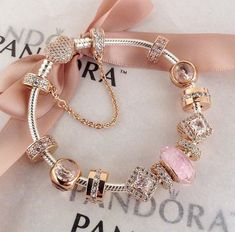 When you read the slogan of Pandora Jewelry you can read that this brand represents exclusive and timeless . Stylish Jewelry, Cute Jewelry, Luxury Jewelry, Charm Jewelry, Jewelry Accessories, Fashion Jewelry, Fashion Fashion, Fashion Ideas, Pandora Bracelet Charms