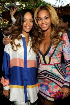 RiRi & B. Beyonce's dress ♥ love this pic
