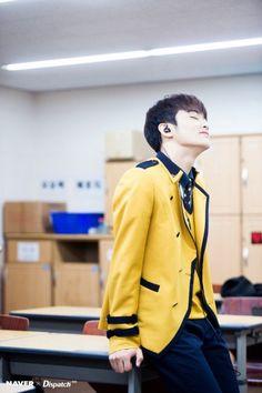 Me in class listening to mark's rap: Mark Lee, Winwin, Taeyong, Jaehyun, Sopa School, Nct 127 Mark, Lee Min Hyung, Yuta, Sm Rookies