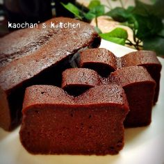 超簡単♡しっとり濃厚♡生チョコケーキ Sweets Recipes, Cake Recipes, Tasty Chocolate Cake, Sweets Cake, No Cook Meals, Love Food, Bakery, Sweet Treats, Food And Drink