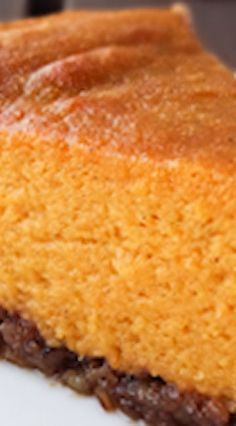 Sweet Potato Pie with Pecan Crust - torten /γλυκά - Desserts Pumpkin Recipes, Fall Recipes, Sweet Recipes, Holiday Recipes, Holiday Pies, Spiced Pumpkin, Köstliche Desserts, Dessert Recipes, Plated Desserts