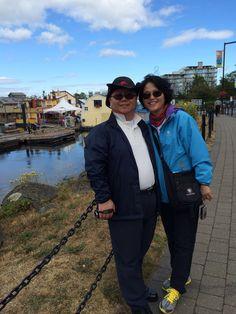캐나다 빅토리아 다운타운가는길에 항구에서 지니랑...20140726