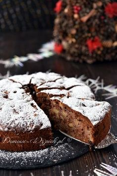 rezept A recipe for a honey cake with pieces of apple. The honey cake is very soft, very fluffy and very juicy thanks to the apples . Sweet Recipes, Snack Recipes, Cooking Recipes, Snacks, Banana Brownies, Honey Cake, Cakes And More, Cake Cookies, Banana Bread