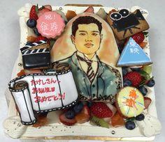 昭和の映画俳優のイメージのケーキ、似顔絵 Sugar, Cakes, Portrait, Desserts, Tailgate Desserts, Deserts, Mudpie, Men Portrait, Cake