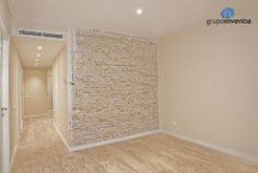 En algunas partes de la #casa se aprovecharon y restauraron #paredes de #ladrillovisto. #design #bcn #interiorismo