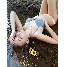 🌻 #TeenModel #Modeling #FirstPhotoshoot #CreekShoot #DeepCreek #LakeArrowhead #AlexisRen #Flowers #SunFlowers #Nature #Sunshine #Creek #Bikini #Model #FreezingColdWater #Blondes #Love #Photography #FollowMe #DoubleTap #Like #Follow Photographer: @mj_chick