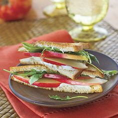 Learn how to make Applelicious Sandwiches. MyRecipes has tested recipes and videos to help you be a better cook. Apple Sandwich, Cheese Sandwich Recipes, Lunch Sandwiches, Sandwich Board, Best Apple Recipes, Fall Recipes, Drink Recipes, Favorite Recipes, Sweet Potato And Apple