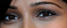 0710-frieda-pinto-earthy-eyes-close_bd.jpg