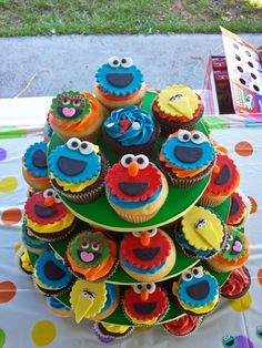 What an awesome cupcake tower filled with birthday love, smiles, and Sesame Street characters: Sesame Street Cupcakes, Sesame Street Cake, Sesame Street Birthday, Elmo Birthday Cake, Baby Boy Birthday, 2nd Birthday, Birthday Ideas, Birthday Parties, Theme Parties