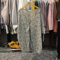 Ladies Blouses Casual Tops Shirts Female Blusas Feminino Plunge V Neck Three Quarter Sleeve Summer Plus Size Floral Blouse Women