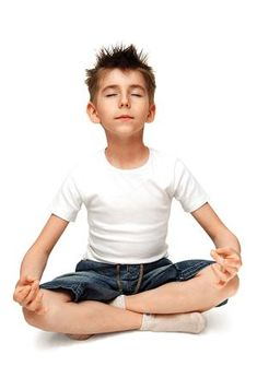 Yoga For Children And Kids - Children are exposed to a lot of stress factors nowadays. There is homework that they do daily… the competition with other children… TV and computer games… and even over-scheduling. Chico Yoga, Dynamic Yoga, Childrens Yoga, Zen, Yoga Lessons, Mindfulness For Kids, Cool Yoga Poses, Poses For Men, We Are The World