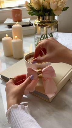 Paper Napkin Folding, Glamour Decor, Flower Arrangements Simple, Diy Crafts For Home Decor, Food Displays, Creative Decor, Fashion Sewing, Diy Tutorial, Diy For Kids