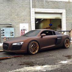 "77.1k Likes, 871 Comments - Kik:SoLeimanRT (@carinstagram) on Instagram: ""#Audi #R8 Built by @innovativeauto photo by @onrailsengineering"""