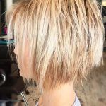- Peinados y pelo 2018 para hombre y mujeres Short Hair With Layers, Layered Hair, Cut My Hair, Hair 2018, Undercut, Bob Hairstyles, Short Hair Styles, Lady, Short Layered Hairstyles
