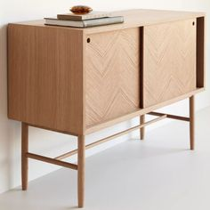 Cheap Home Decorating Websites Refferal: 7368511942 Retro Furniture, Industrial Furniture, Table Furniture, Home Furniture, Vintage Industrial, Oak Dresser, Low Cabinet, Modern Shop, Wood Colors