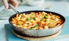 One pot Hawaii-pasta (uten skinka) med ananas One Pot Pasta, Curry, Food And Drink, Hawaii, Ethnic Recipes, Pineapple, Curries, Hawaiian Islands