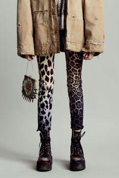 2020 Fashion Trends, Fashion 2020, Punk Fashion, Fashion Outfits, Womens Fashion, Glam Rock, Designer Jeans For Women, Fade To Black, European Fashion