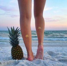 The best beach accessories: metallic temporary tattoos