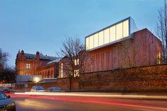Whitworth Gallery in Manchester by London architecture studio MUMA. British Architecture, Brick Architecture, London Architecture, Architecture Images, Cultural Architecture, Whitworth Gallery, Brick Extension, University Of Manchester, Manchester Art