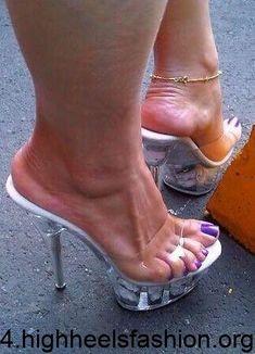 Sexy Legs And Heels, Hot High Heels, Platform High Heels, High Heels Stilettos, Stiletto Heels, High Heel Boots, Pumps, Beautiful High Heels, Gorgeous Feet