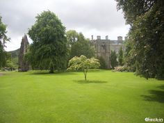 I giardini di Holyrood Palace ad Edimburgo, #scozia