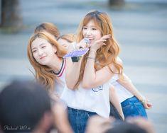WJSN ♡ Nam Dawon 남다원 & Eunseo 은서 (Son Juyeon 손주연) busking for Girl Spirit 160713 건대 분수공원 버스킹 #걸스피릿 #우주소녀