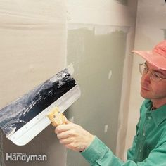Simple tricks for fast, flawless drywall finishing Drywall Tape, Drywall Mud, Drywall Repair, Home Improvement Loans, Home Improvement Projects, Hanging Drywall, Drywall Finishing, Drywall Installation, Home Fix