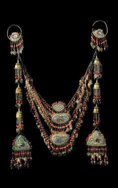 Uzbekistan | Jewellery from the collection of the Museum of Applied Arts in Tashkent | 19th - 20th century