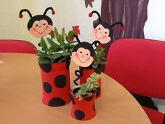 . Ladybug Crafts, Class Decoration, Craft Gifts, Gifts For Kids, Recycling, Projects To Try, Jar, Spring, Flowers