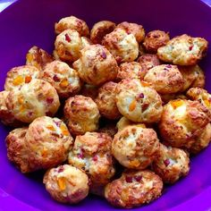 Fingerfood - herzhaft & süß Pizza balls, a delicious recipe from the finger food category. Pizza Ball, Pizza Hut, Snacks Pizza, Snacks Für Party, Healthy Snacks, Healthy Recipes, Chef Recipes, Pizza Recipes, Snacks