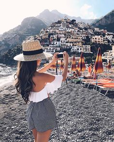 My FULL Positano Travel Guide is now live on the blog - including info on where we stayed + where to eat & what to do! Link in profile http://liketk.it/2rogA #liketkit #amalficoast #wiw #italy #travel #positanoitaly #ootd #americanstyle #whatiwore #beachday #ltkunder100
