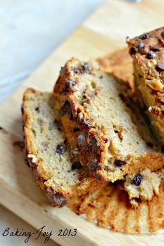 Dark choc and walnut banana bread