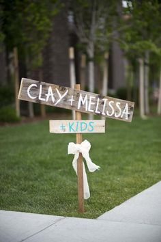 I love this. I would like this with the kids names spelled out : )