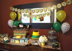 John Deere party table john-deere-tractor-party
